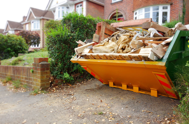 Tips for staying safe when you hire a skip.jpg